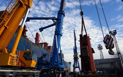 500 t crane arrived in Odessos